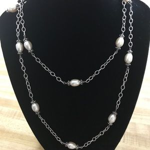 🌸SS Honora Pearl Station Necklace